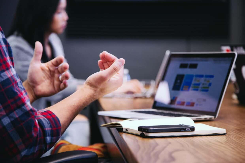 As taxas de Turnover representam a rotatividade dos funcionários de uma empresa.